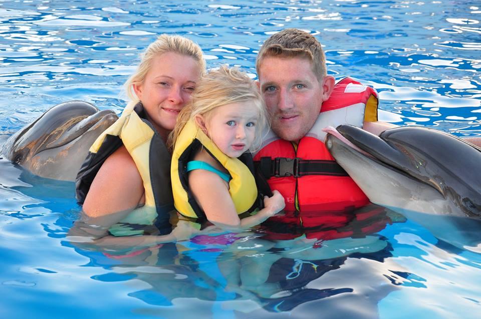 family swimming tour hurghada