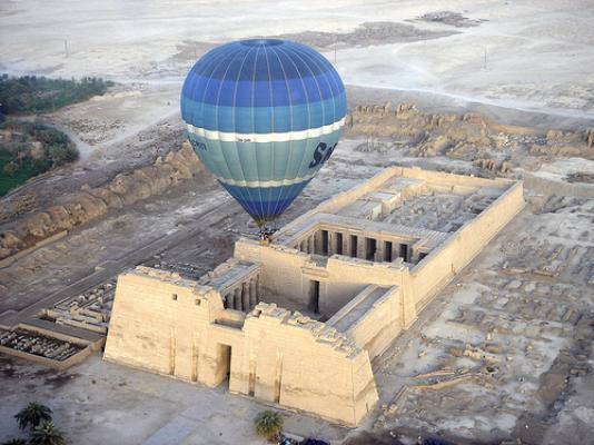 Cairo-Luxor & Hot Air Balloon Trip By Plane From Hurghada