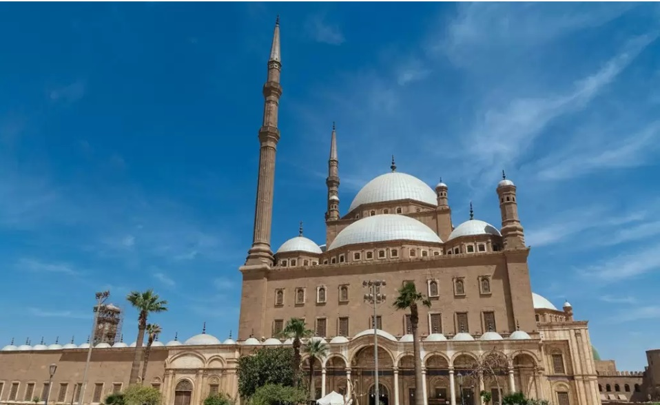 Full Day Tour to The Egyptian Museum, Saladin Citadel & Old Cairo