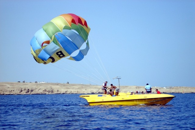 Parasailing in Hurghada Magnificent Sky
